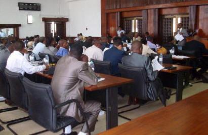Deputados aprovam vários diplomas na última sessão da presente legislatura